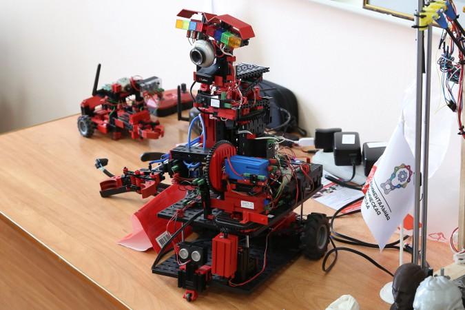Робот «Экспериментальной технической школы»