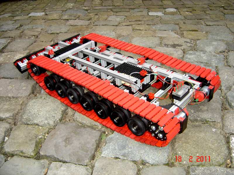 Гусеничный робот fischertechnik